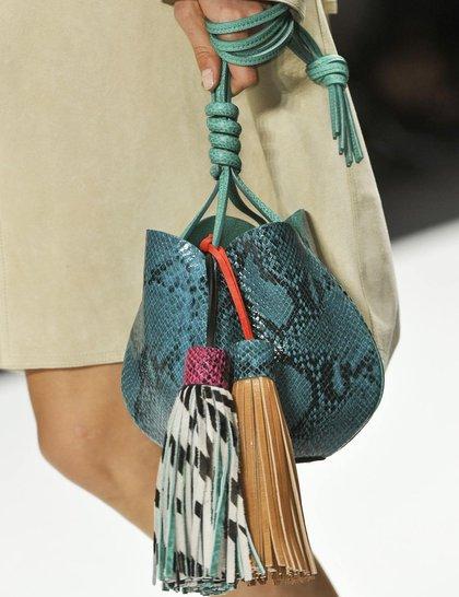 7 xu hướng túi nổi bật tại Tuần lễ thời trang Xuân/Hè 2014 43
