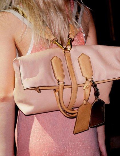 7 xu hướng túi nổi bật tại Tuần lễ thời trang Xuân/Hè 2014 47