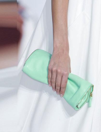 7 xu hướng túi nổi bật tại Tuần lễ thời trang Xuân/Hè 2014 52