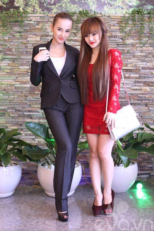 Những cặp chị em xinh đẹp nổi tiếng của showbiz Việt 11