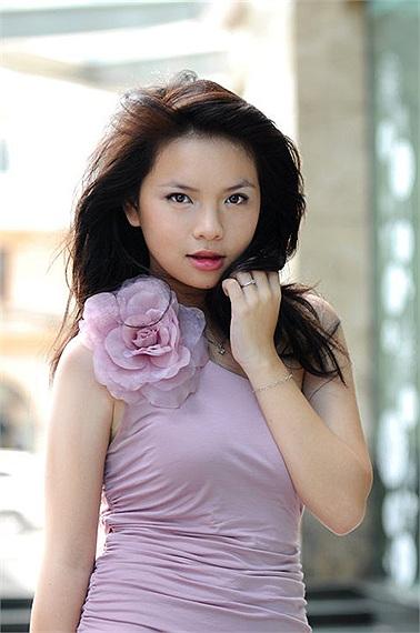 Những cặp chị em xinh đẹp nổi tiếng của showbiz Việt 15