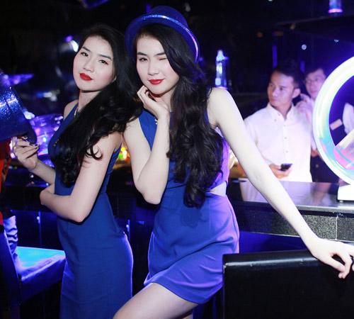 Những cặp chị em xinh đẹp nổi tiếng của showbiz Việt 22