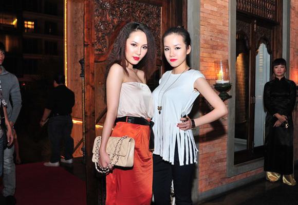 Những cặp chị em xinh đẹp nổi tiếng của showbiz Việt 9