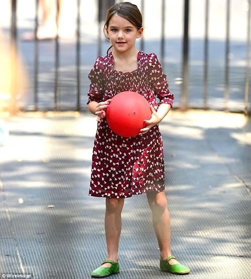Những hình ảnh siêu dễ thương của cô bé Suri  15