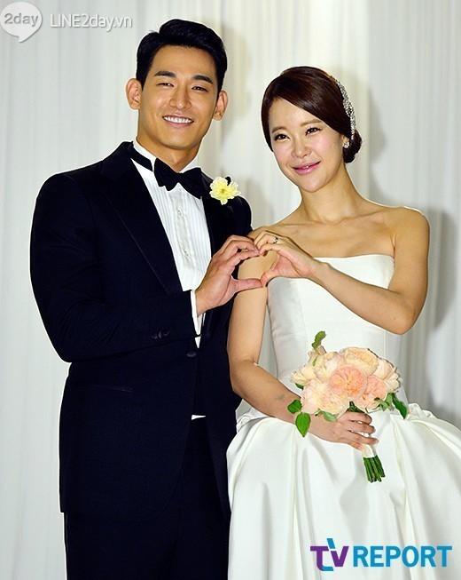 Vợ chồng Baek Ji Young nhắng nhít trong tuần trăng mật  2