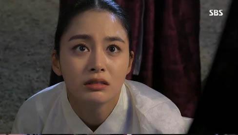 """""""Jang Ok Jung"""" Kim Tae Hee bị ép uống thuốc... vô sinh 10"""