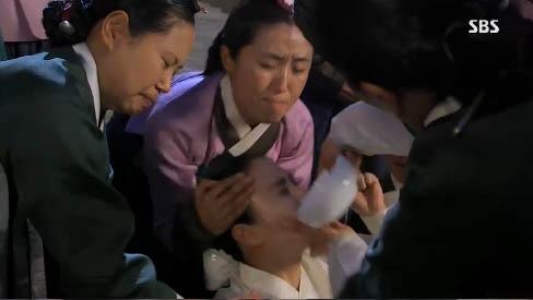 """""""Jang Ok Jung"""" Kim Tae Hee bị ép uống thuốc... vô sinh 11"""