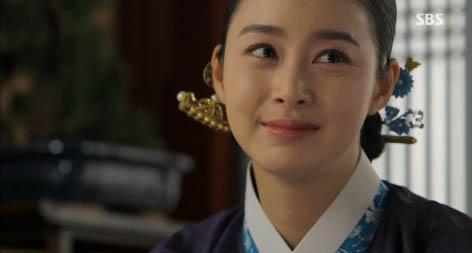 """""""Jang Ok Jung"""" Kim Tae Hee bị ép uống thuốc... vô sinh 8"""