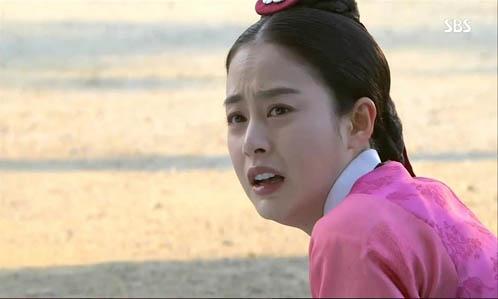 """""""Jang Ok Jung"""": Kim Tae Hee bị đuổi khỏi hoàng cung  2"""