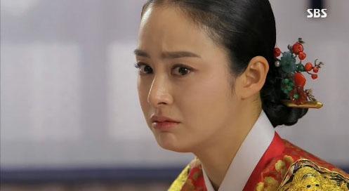 """""""Ok Jung"""" Kim Tae Hee thay đổi sau khi thành Hoàng hậu 17"""
