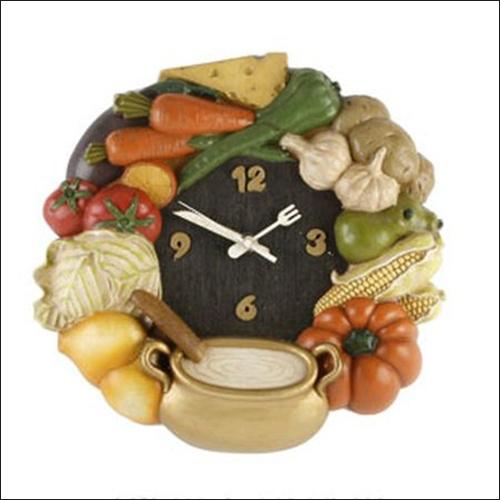 Tạo điểm nhấn cho phòng bếp bằng đồng hồ treo tường ấn tượng 7