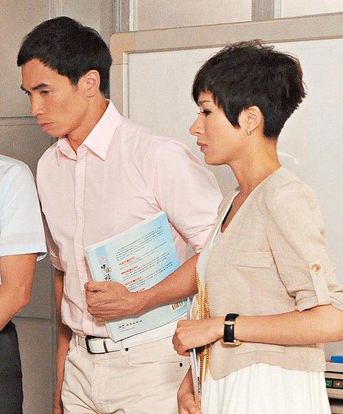 Mũi của Dương Di - Ảnh Hậu TVB 2012 ngày càng... đáng sợ 11
