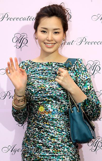Loạt mỹ nhân Hàn thay đổi vì PTTM trong năm 2012 6