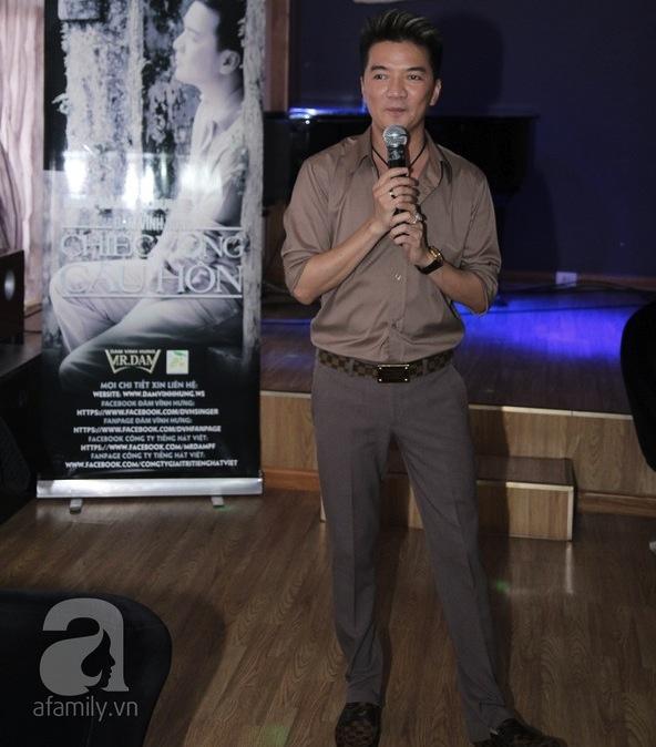 """Đàm Vĩnh Hưng, Cẩm Vân hợp sức ra mắt """"Chiếc vòng cầu hôn"""" 1"""