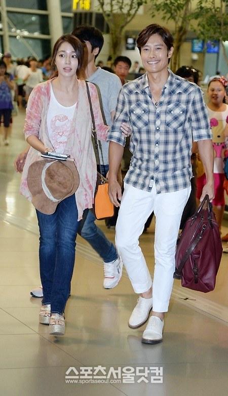 Vợ chồng Lee Byung Hun lên đường đi nghỉ trăng mật 4