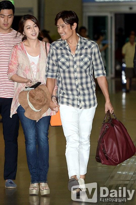Vợ chồng Lee Byung Hun lên đường đi nghỉ trăng mật 5