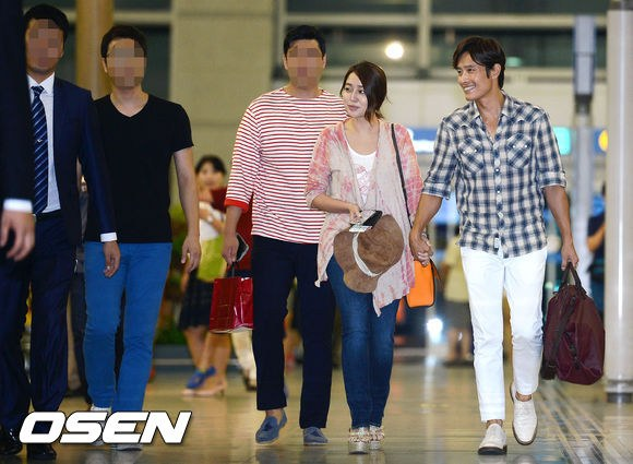 Vợ chồng Lee Byung Hun lên đường đi nghỉ trăng mật 1