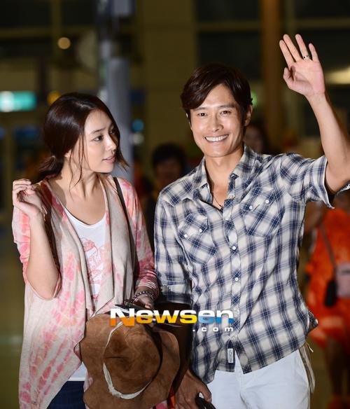 Vợ chồng Lee Byung Hun lên đường đi nghỉ trăng mật 7