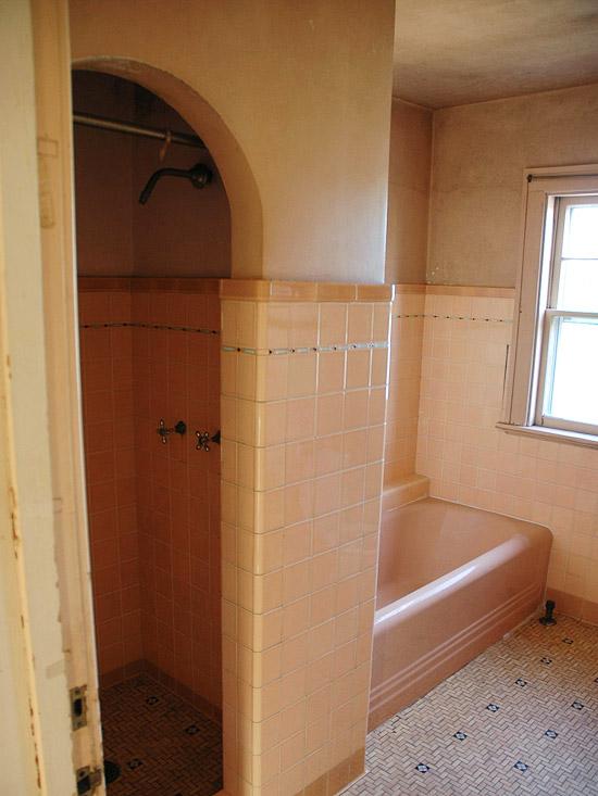 Cải tạo 2 phòng tắm xấu xí, lỗi thời trở nên đẹp và hiện đại 5