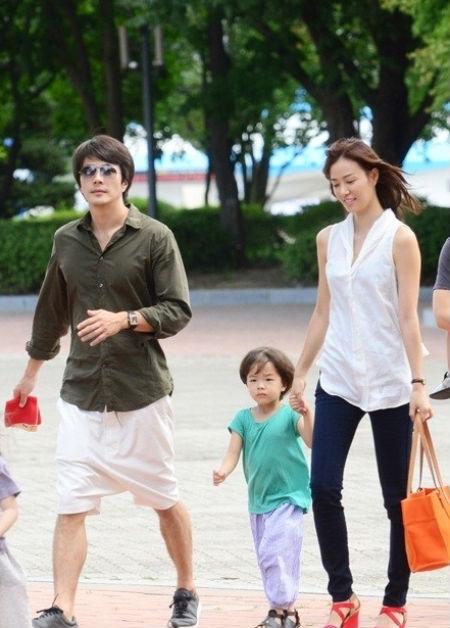 Nhóc tỳ nhà Kwon Sang Woo rất thần tượng bố 2