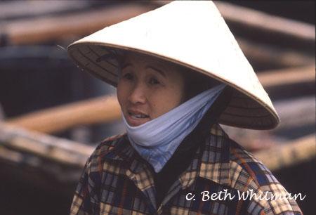 Phụ nữ Việt Nam trong mắt người nước ngoài 6