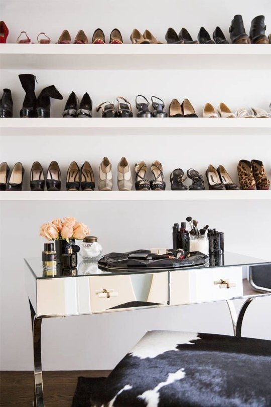 4 ý tưởng lưu trữ giày cao gót gọn gàng cho nhà chật 1