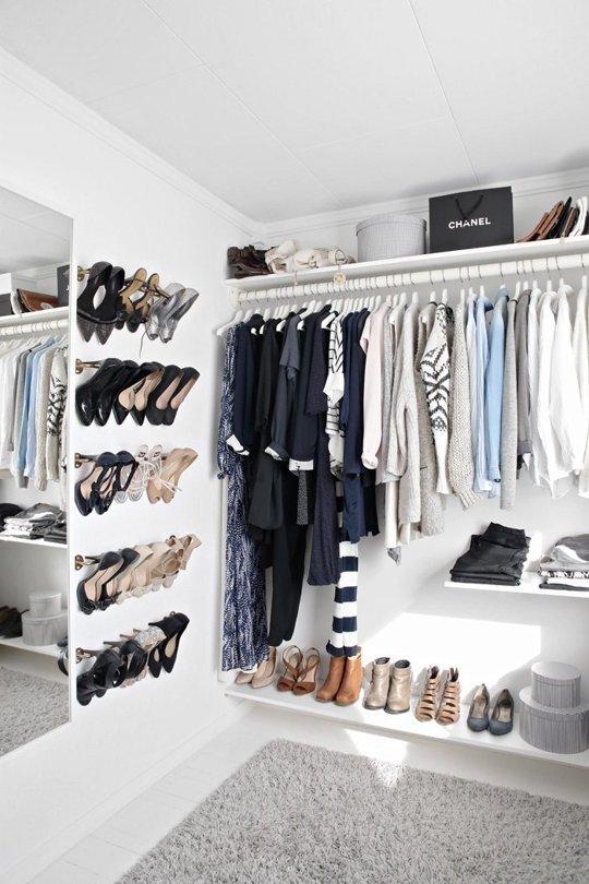 4 ý tưởng lưu trữ giày cao gót gọn gàng cho nhà chật 4