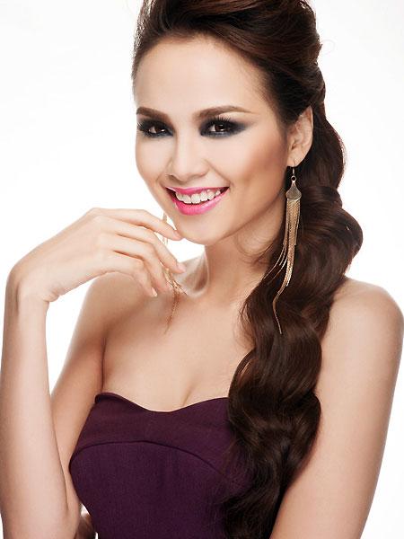 """Sự nghiệp đèn sách quá """"lệch lạc"""" của các Hoa hậu Việt  11"""