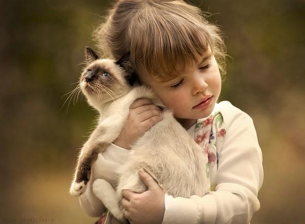 Bộ ảnh đẹp đến ngỡ ngàng của cậu bé bên các loài động vật 7