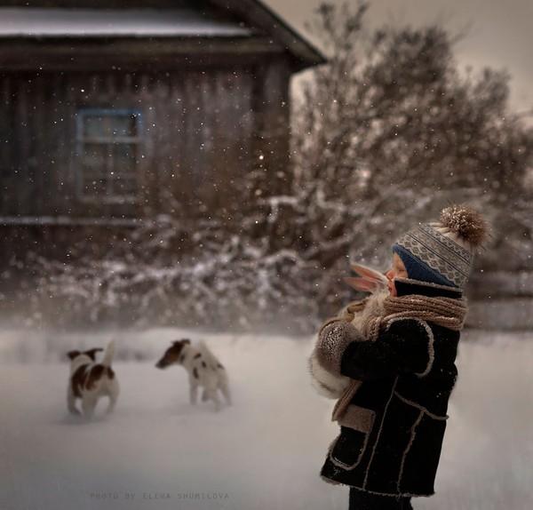 Bộ ảnh đẹp đến ngỡ ngàng của cậu bé bên các loài động vật 10