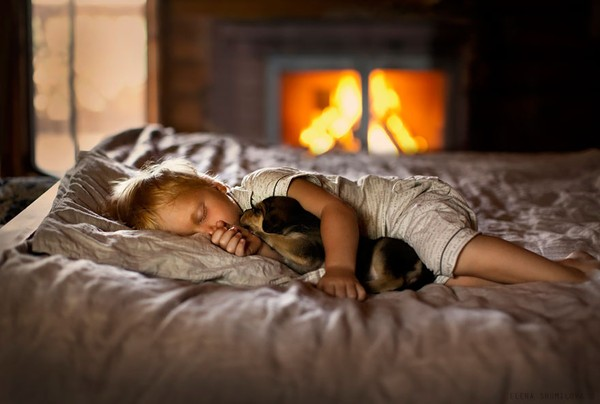 Bộ ảnh đẹp đến ngỡ ngàng của cậu bé bên các loài động vật 14