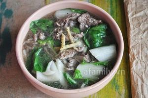 Canh rau cải thịt bò thơm lừng nóng hổi 11