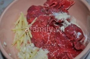 Canh rau cải thịt bò thơm lừng nóng hổi 6