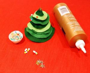 Cắt dán cây thông Noel nhỏ xinh trang trí nhà mình 8