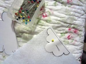 3 bước đơn giản trang trí áo len dễ thương 3