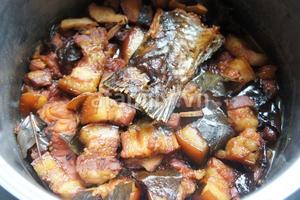 Cá kho thịt ba chỉ - món ngon dân dã 12