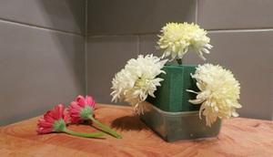Cắm hoa đơn giản tinh tế làm đẹp không gian nhà bạn 4