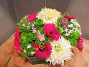 Cắm hoa đơn giản tinh tế làm đẹp không gian nhà bạn 5