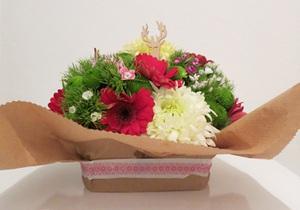 Cắm hoa đơn giản tinh tế làm đẹp không gian nhà bạn 7