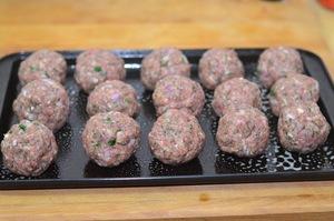 Món ngon cuối tuần: Thịt bò viên nướng xốt cà 5