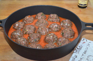 Món ngon cuối tuần: Thịt bò viên nướng xốt cà  6