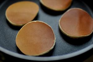 Bánh rán Doremon nhân khoai lang tím siêu hấp dẫn 11