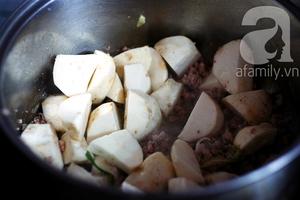 Canh khoai sọ nấu thịt băm giản dị ngon cơm 4