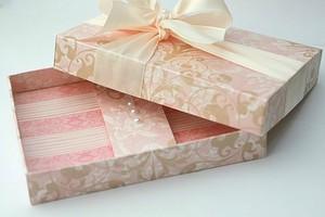 Cách gấp dán hộp đựng quà tiện dụng và đẹp mắt 7