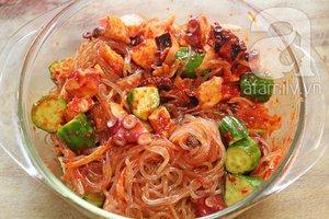 Salad bạch tuộc giòn ngon lạ miệng