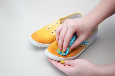 Tự nhuộm giày vải màu loang sành điệu, độc đáo 8