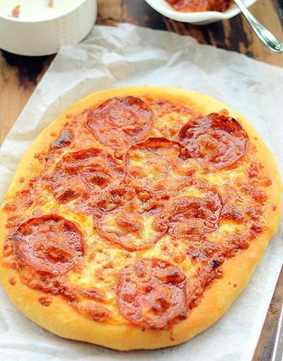 Pizza xúc xích làm đơn giản mà ăn cực ngon! 18