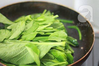 Đậu rán tẩm hành và rau cải xào cật heo cho bữa tối 18
