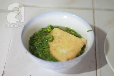 Đậu rán tẩm hành và rau cải xào cật heo cho bữa tối 8