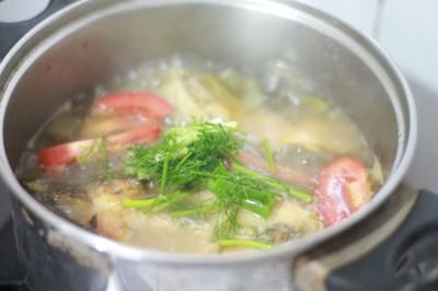 Canh cá nấu dưa chua ngon cho bữa tối 16